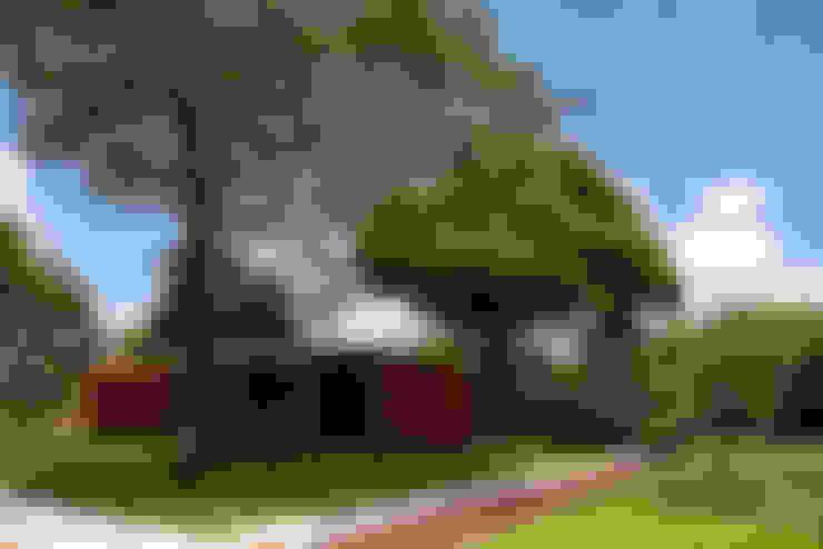 Casa BLM: Casas  por ATRIA