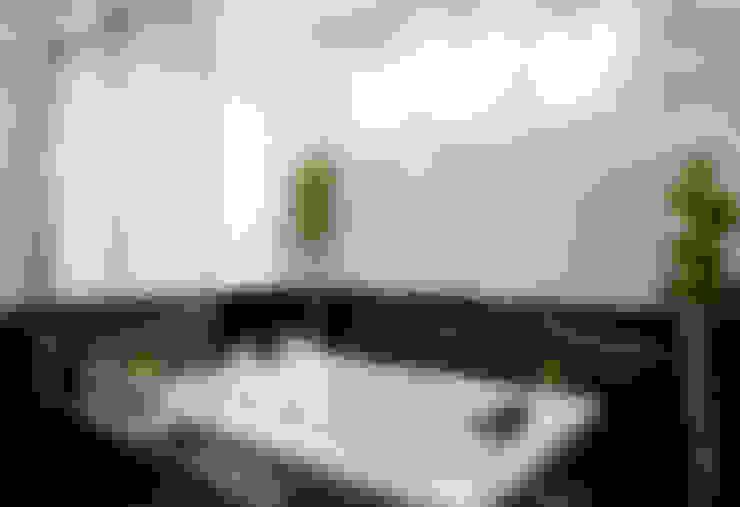 Badezimmer von Designer de Interiores e Paisagista Iara Kílaris