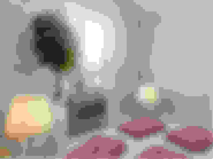 غرفة الميديا تنفيذ Студия дизайна интерьера Маши Марченко