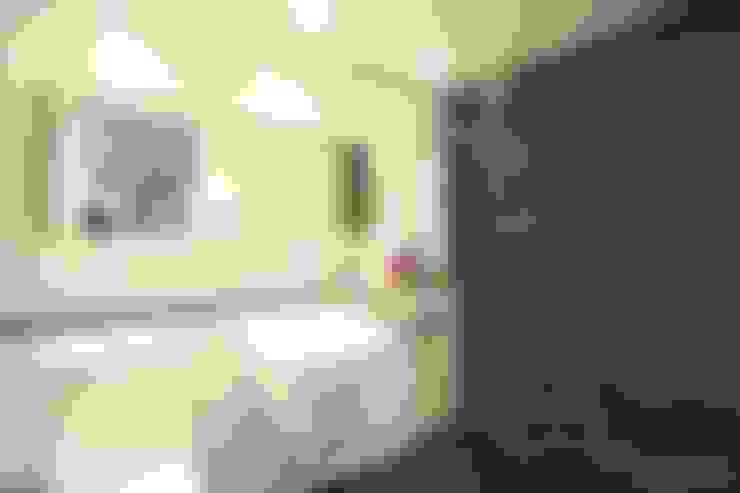 화장실: 홍예디자인의  욕실