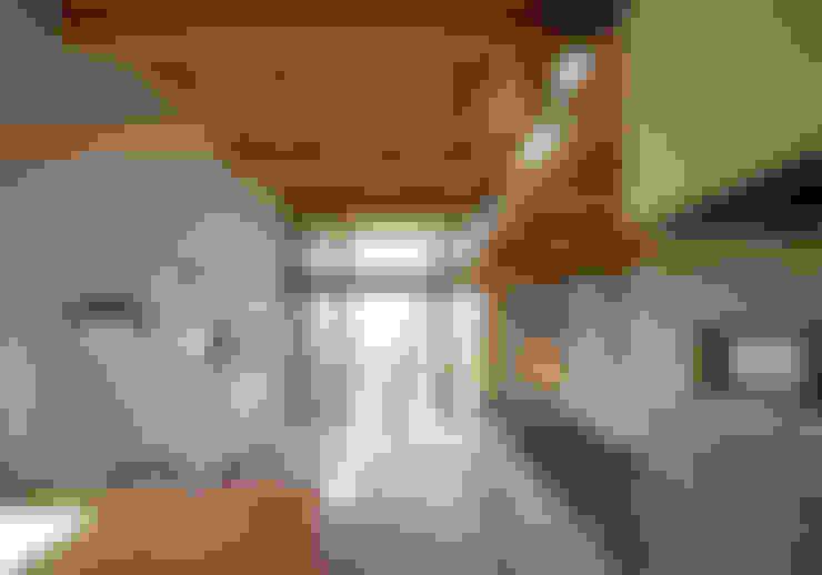 客廳 by 芦田成人建築設計事務所