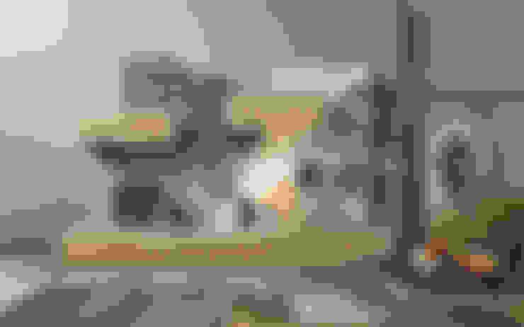 Living room by Ronda Design
