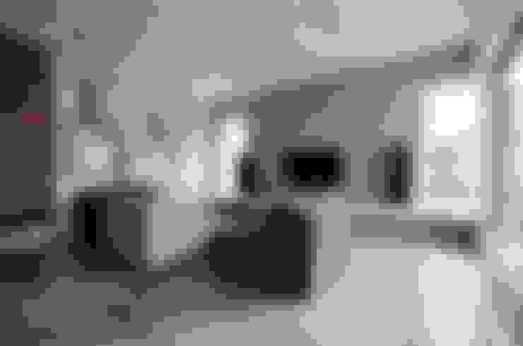 Phòng khách by Devangari Design