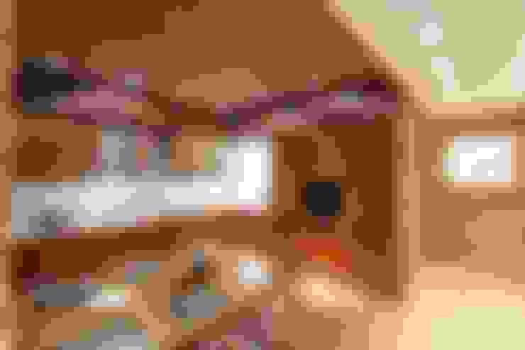 Kitchen by ООО 'Студио-ТА'