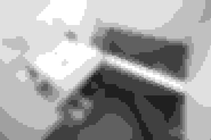 화이트 & 블랙 : 홍예디자인의  욕실