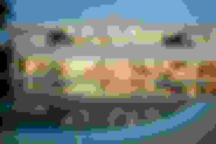 Casa - Praia de Tabatinga: Casas  por Hurban Liv Arquitetura & Interiores