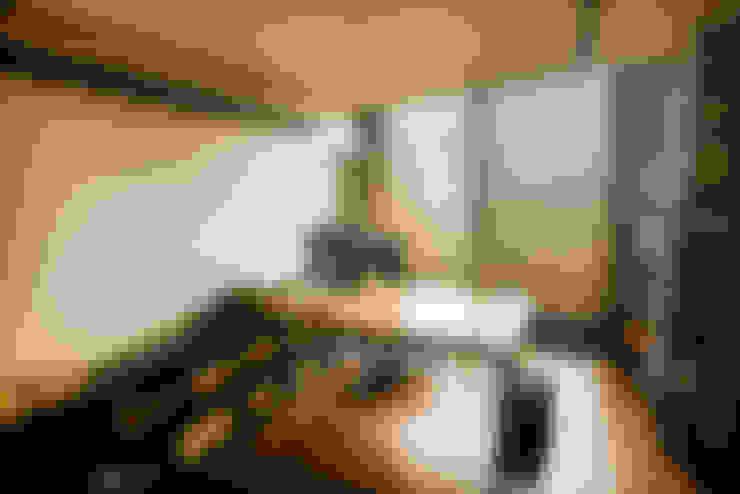 흐르는 시선을 가진 Grey house_잠실 33평 아파트리모델링: (주)바오미다의  서재 & 사무실