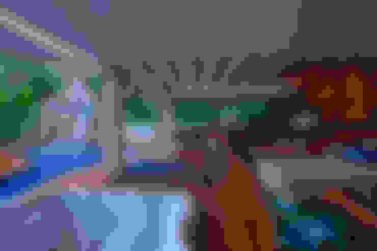 Área de Lazer CK: Piscinas  por Gláucia Britto
