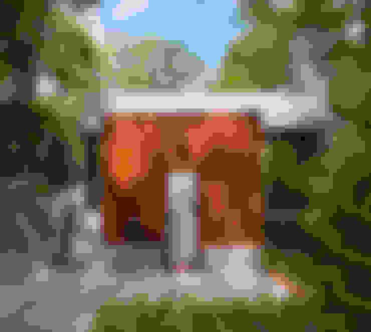 Бассейн в . Автор – Ecologic City Garden - Paul Marie Creation