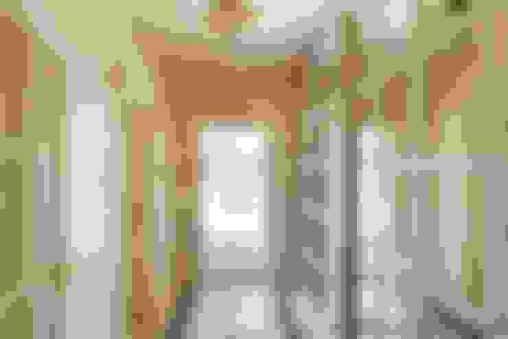 Corridor & hallway by Ольга Кулекина - New Interior