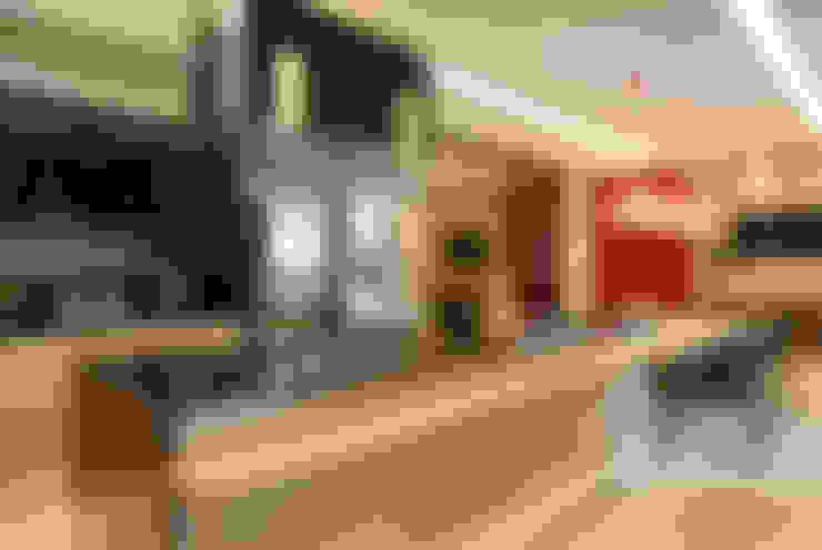 Cozinha Gourmet: Cozinhas  por Arquitetura e Interior