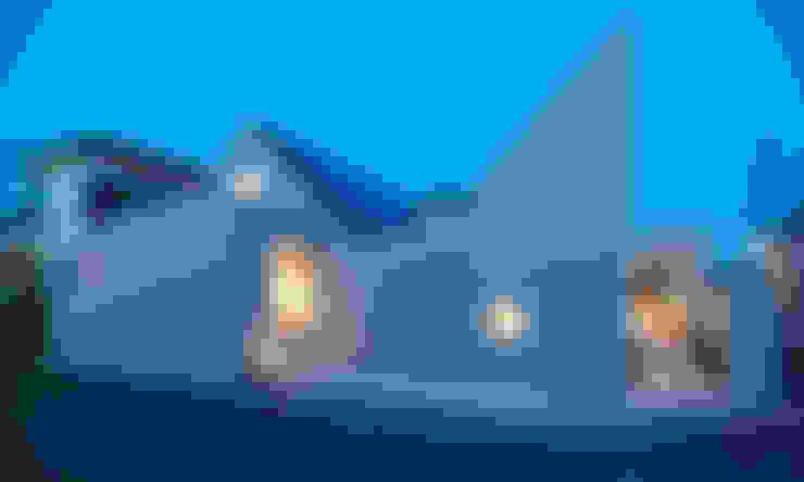Casas de estilo  de 星設計室