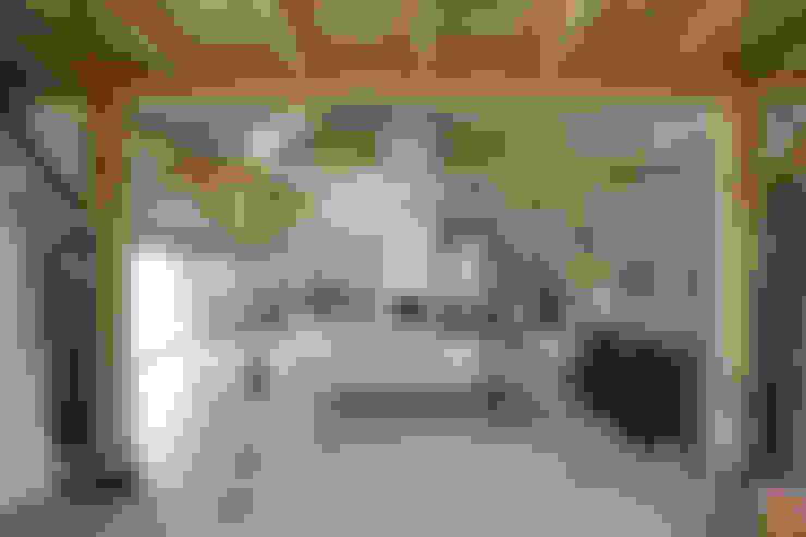 Salas de estar  por Motion Gietvloeren