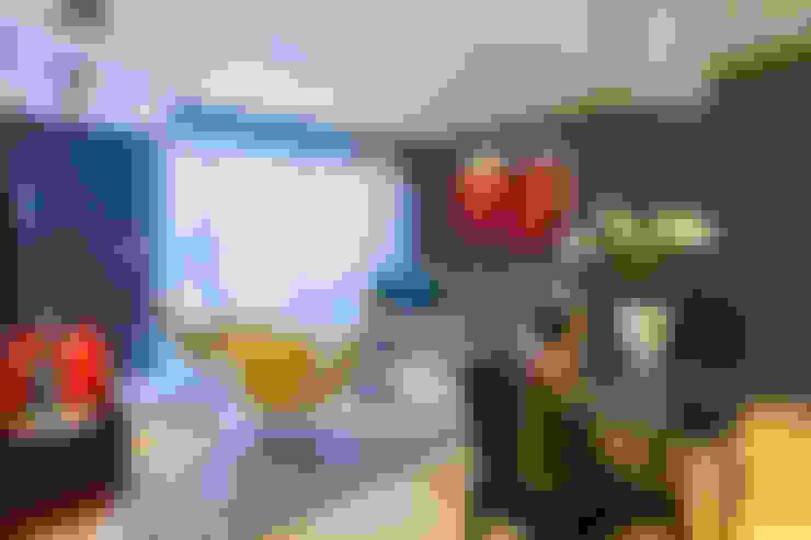 Living Colours: Salas de estar  por Lo. interiores