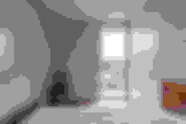 Bedroom by Miguel Marcelino, Arq. Lda.