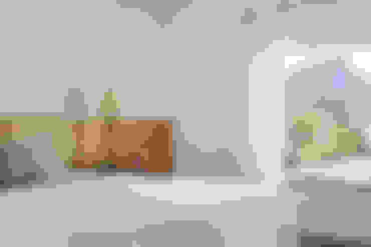 Casa na Gávea: Quartos  por Ricardo Melo e Rodrigo Passos Arquitetura