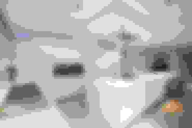 Cocinas de estilo  por bulthaup espace de vie Pontarlier