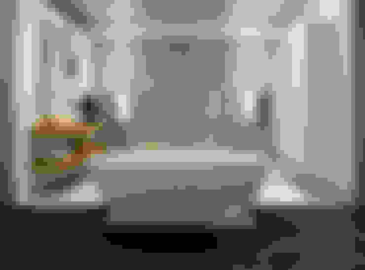 AM Badkamers - showroom:  Badkamer door AM Badkamers