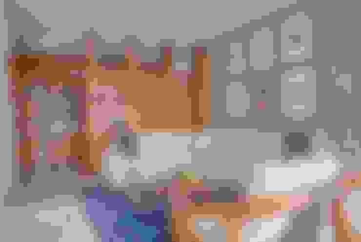 Living room by Ancona + Ancona Arquitectos