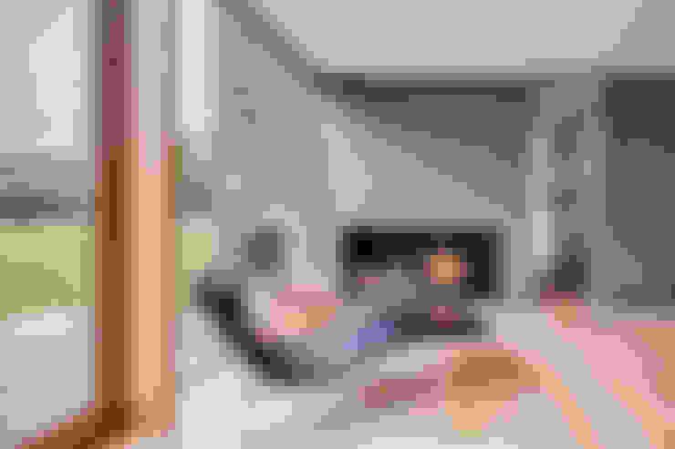 Salas de estar  por Hall + Bednarczyk Architects