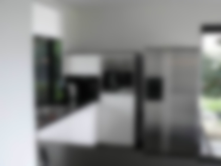 Zwart wit Keuken:  Keuken door DIEVORM B.V.