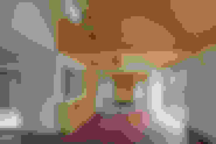 客廳 by 建築デザイン工房kocochi空間