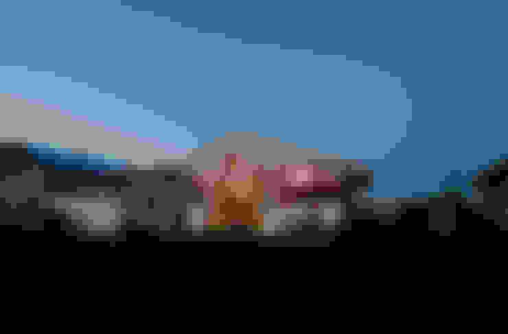 Casas  por w. raum Architektur + Innenarchitektur