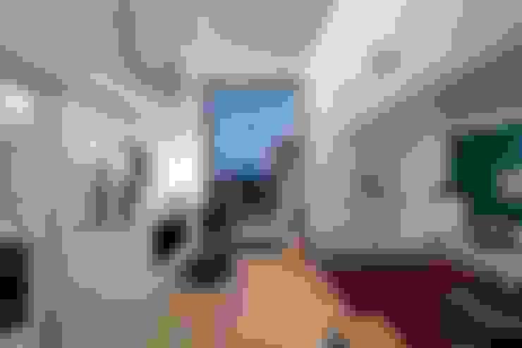 Salas de estar  por w. raum Architektur + Innenarchitektur