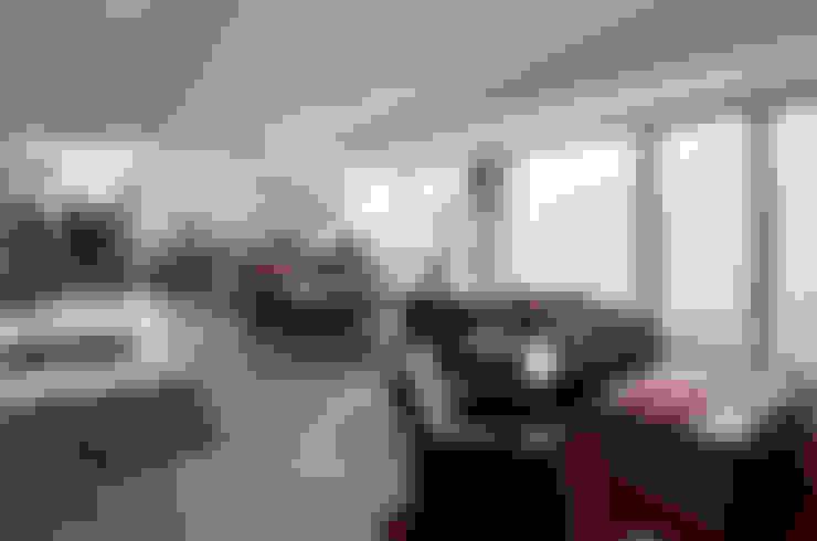Escritórios  por w. raum Architektur + Innenarchitektur