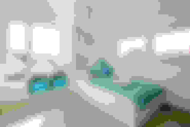 Projekty,  Pokój dziecięcy zaprojektowane przez FischerHaus GmbH & Co. KG