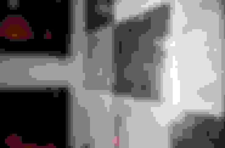 Aykuthall Architectural Interiors – Sunflower'da Bir Ev:  tarz Banyo