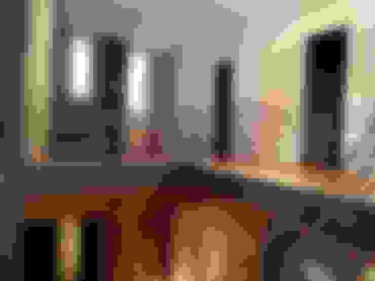 Koridor dan lorong by Aris & Paco Camús