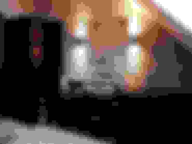 Bathroom by CAROLINE'S DESIGN