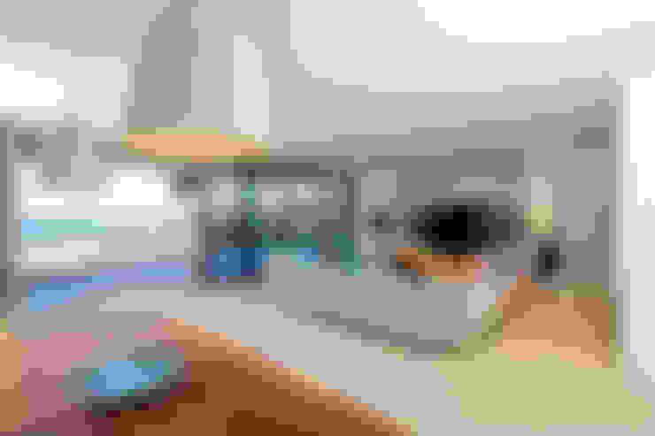 Salas de estar  por Nicolas Tye Architects