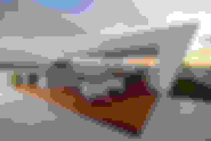 Terraços  por Nicolas Tye Architects
