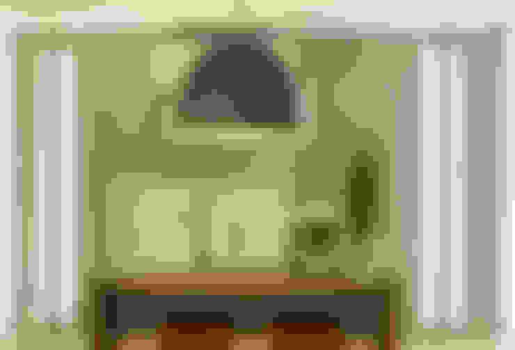 Apartamento na Pompeia, São Paulo: Salas de jantar  por Liliana Zenaro Interiores