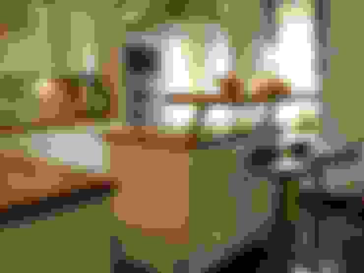 Kitchen by Jokiel Immobilien