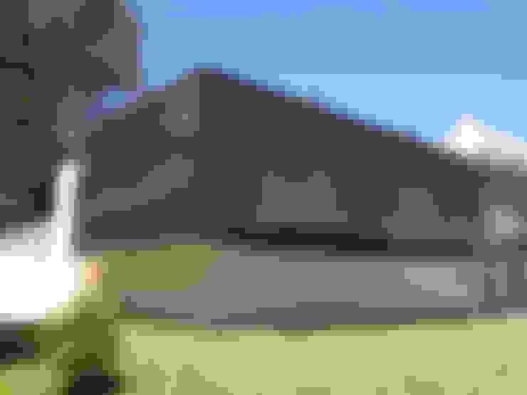 Habitação Unifamiliar: Casas  por AMVC - Arquitectos Associados