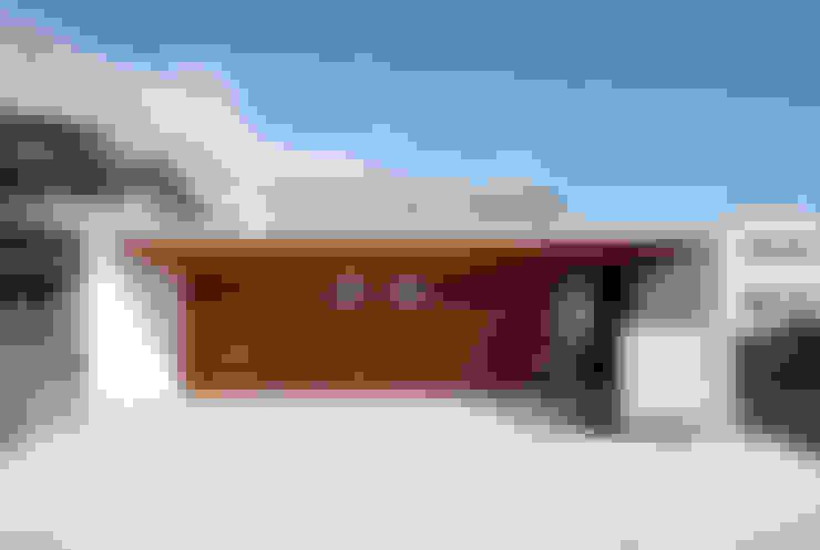 Rumah by 一級建築士事務所haus