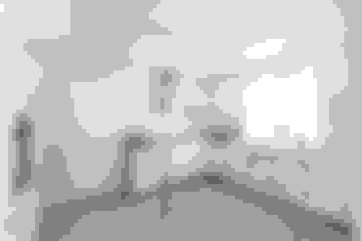 die Küche der Wohnung 3 nach der Sanierung:   von Maklerkontor Brand & Co. Immobilienmakler GmbH & Co. KG