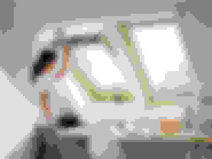 Windows & doors  تنفيذ Fakro Pivot Çatı Pencereleri