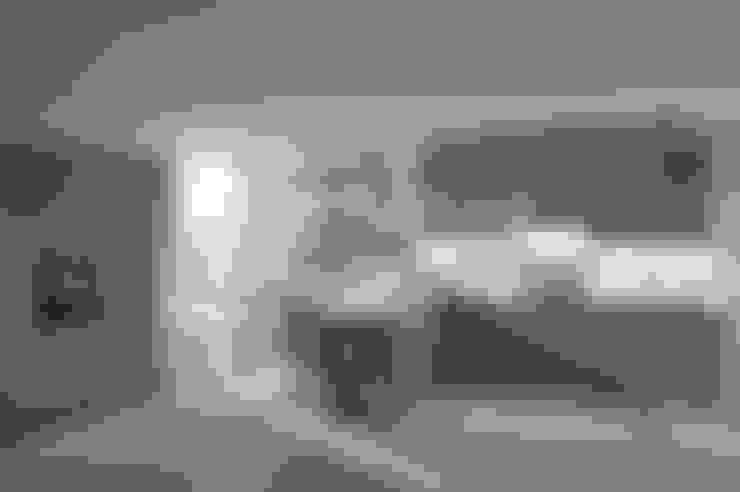 """Landhausküche """"Bristol achatblau"""":  Küche von Dick Küchen"""