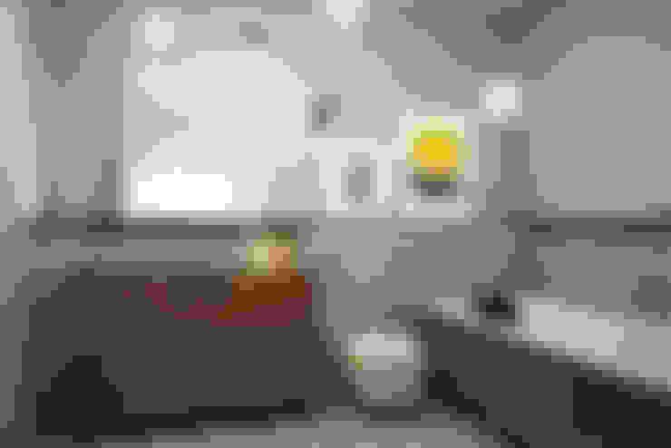 Baños de estilo  por razoo-architekci