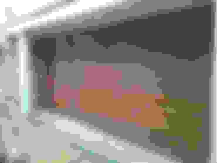 Portes de garage de style  par CIERRES METALICOS AVILA, S.L.