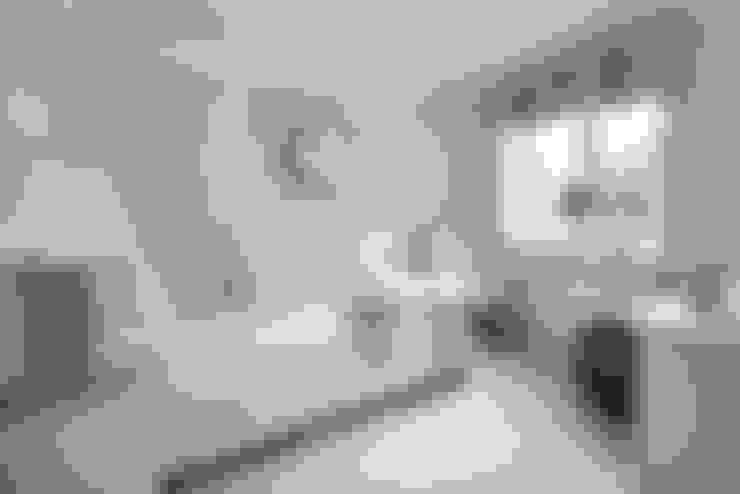 Habitaciones de estilo  por Emma & Eve Interior Design Ltd