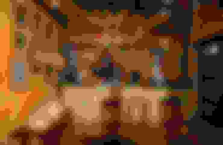 Antiguo Molino completamente reformado: Bodegas de estilo  de Karma Properties