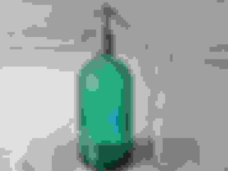 Alte Sodaflasche:  Haushalt von van der Field