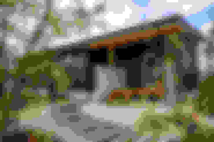 Rumah by エムアイ.アーキテクト