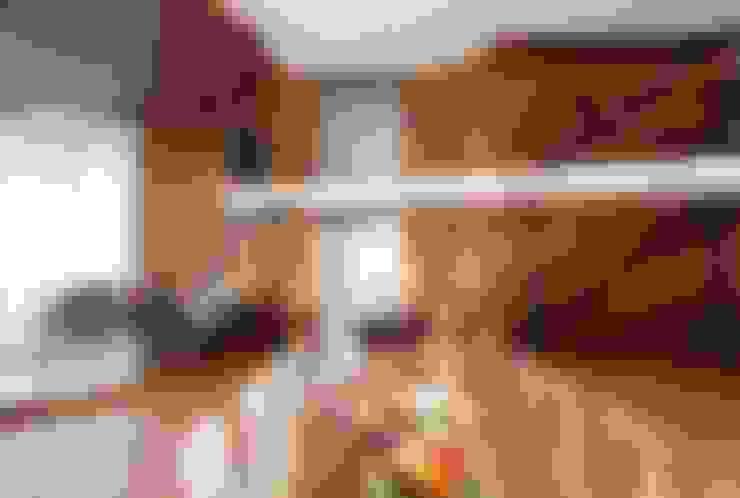 ДОМ В ПОДМОСКОВЬЕ: Столовые комнаты в . Автор – АРХИТЕКТУРНОЕ БЮРО АНДРЕЯ КАРЦЕВА И ЮЛИИ ВИШНЕПОЛЬСКОЙ