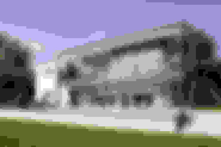 Projekty,  Dom jednorodzinny zaprojektowane przez FingerHaus GmbH - Bauunternehmen in Frankenberg (Eder)
